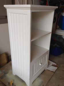 Bookshelf before side view