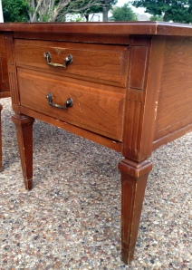 Hammary End Table Leg and Corner Detail