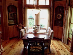 Mom Dining Room-001