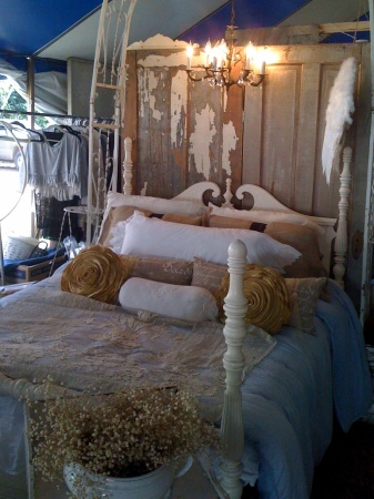 Warrenton Shabby Chic Bed